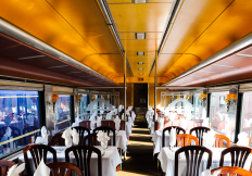 cincinnati-dinner-train-dining-car-2