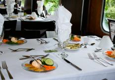 cincinnati-dinner-train-public-dining