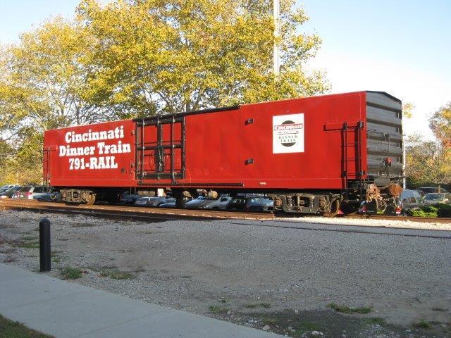 Cincinnati-dinner-train-power-car